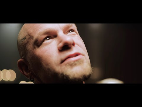 Five Finger Death Punch – Darkness Settles In (Official Music Video)