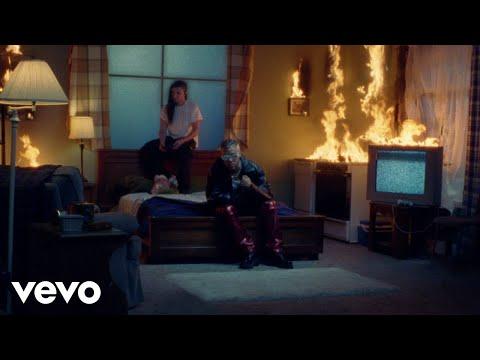 Jhay Cortez, Skrillex – En Mi Cuarto (Official Video)